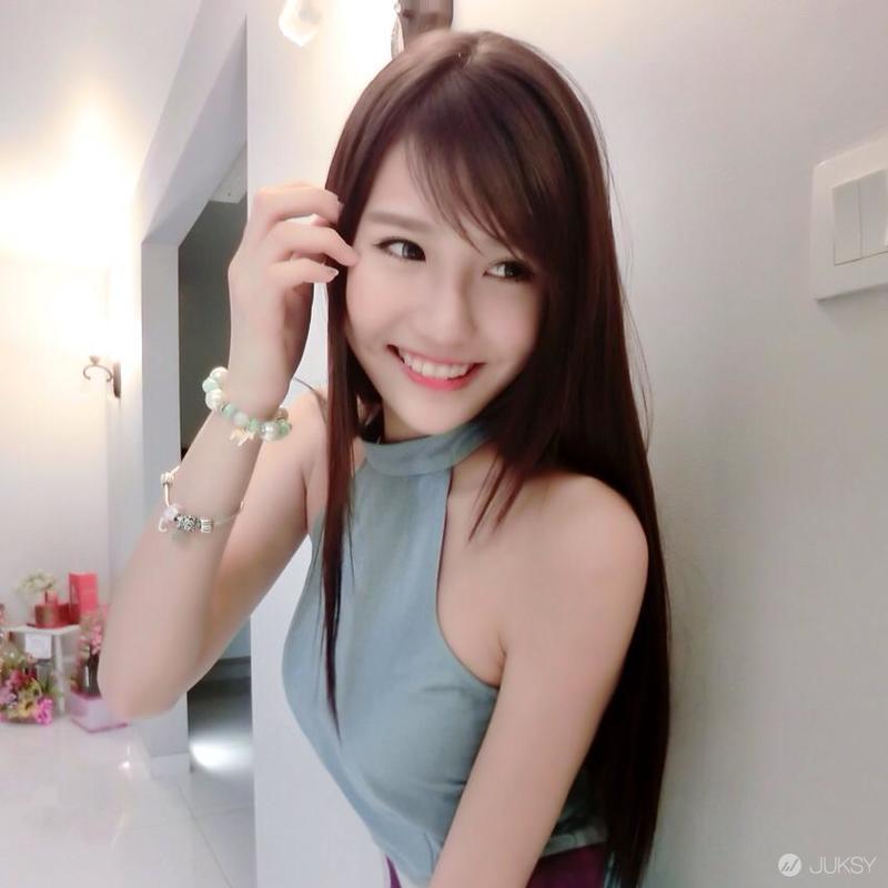 大马爆红网路歌手Joyce Chu四草叶 不顾形象的